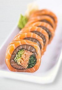Roll-salmon-wrap-200x300-200x288